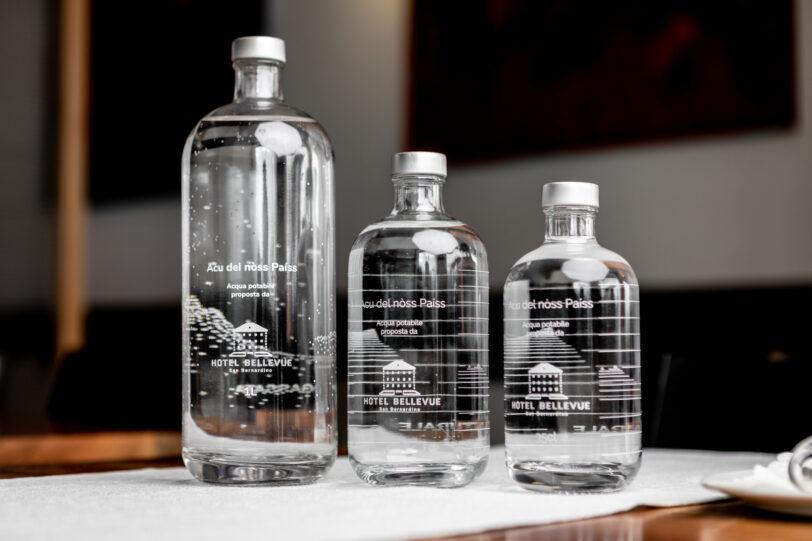Acu del nòss Paíss - bottiglie personalizzate e acqua a chilometro zero